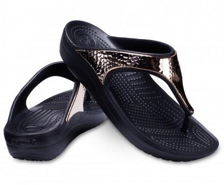 Women's Crocs Sloane Hammered Metallic Flips